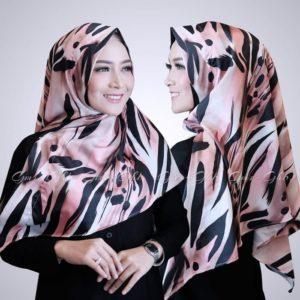 Jilbab segitiga instan / Triangle/Segitiga Instant Loreng satis maxmara