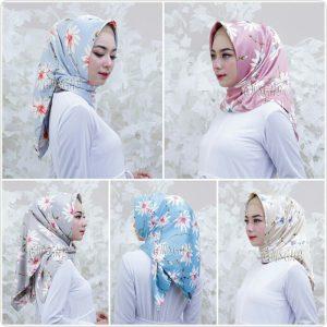 Jilbab Segiempat Royal Silk Bunga
